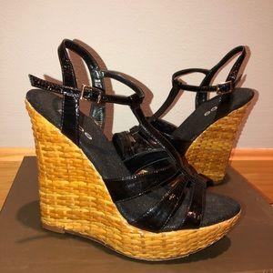 Black patent  leather strappy platform sandals